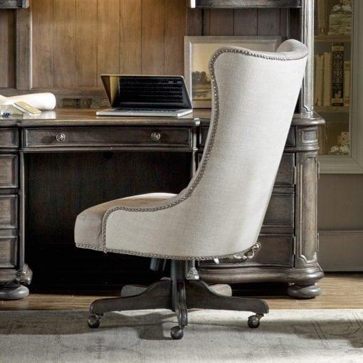 kursi kantor kayu klasik