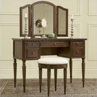 meja rias kayu klasik