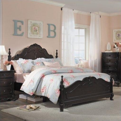 tempat tidur ukir mewah