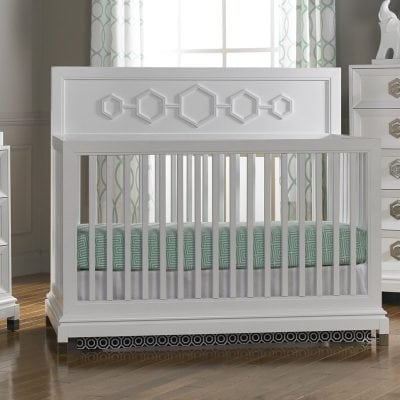 Tempat Tidur Bayi Perempuan